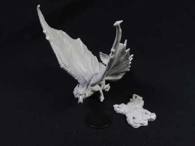 Nolzurs Marvelous Miniatures - Young Brass Dragon